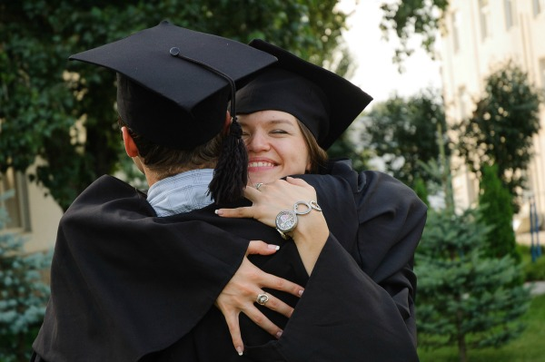Graduation Gown Hire: Is It Best To Buy Or Hire Your Gown
